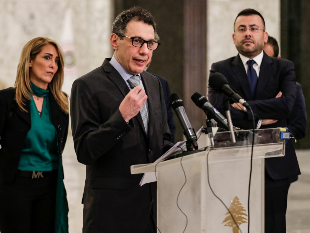 Nizar Zakka (C), a Lebanese national and US resident arrested in Iran in 2015 and sentenced to 10 years in jail on espionage charges, gives a press conference in Beirut after he was freed in early June.