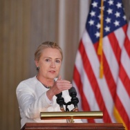 Hillary clinton myanmar Aung San Suu Kyi