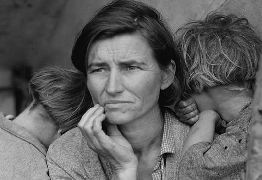 Destitute pea pickers in California. Mother of seven children, age 32. Nipomo, California.