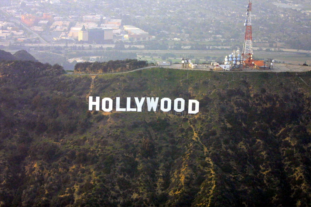 387449 01: The Hollywood sign sits on the hills March 25, 2001 Hollywood, CA. (Photo By Eric Ford/Getty Images)