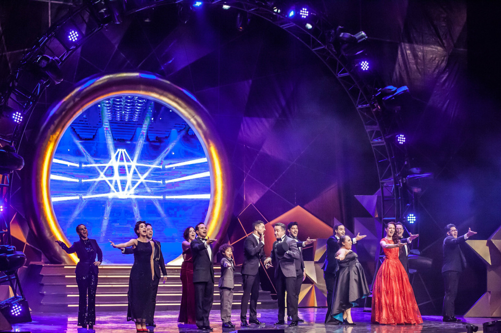 A performance at the Metropolitan Theatrical awards in Mexico City.