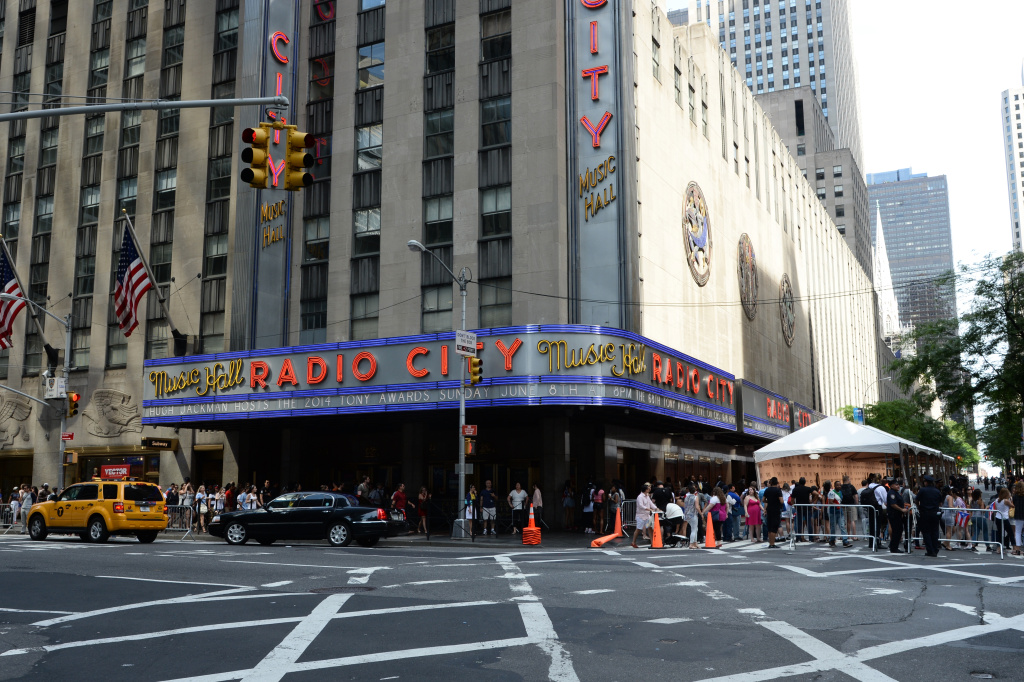 A general view of outside atmosphere at the 68th Annual Tony Awards at Radio City Music Hall on June 8, 2014 in New York City.