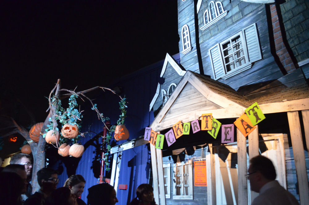 File: Knott's Scary Farm Halloween Haunt 2013.