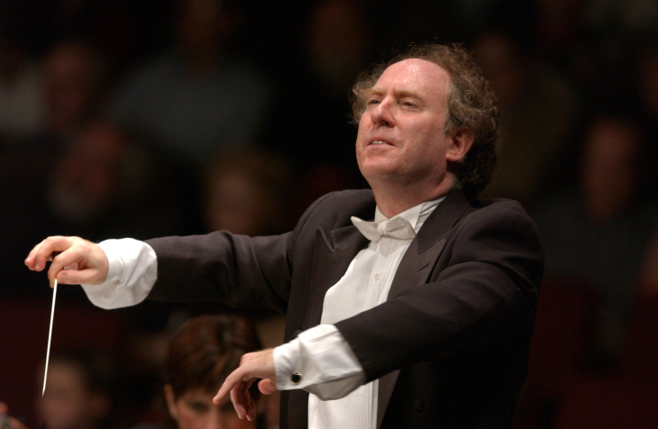Jeffrey Kahane is retiring after 20 years as conductor of the Los Angeles Chamber Orchestra.