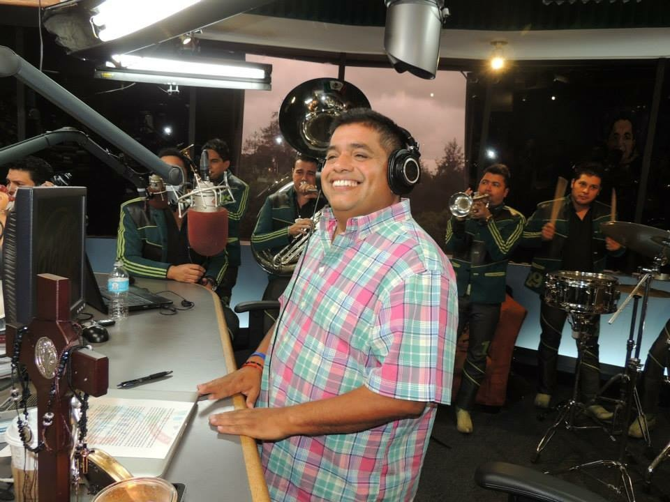 Top rated spanish language el mandril radio show missing from airwaves
