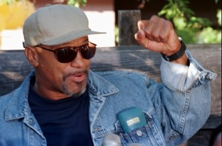 Former Black Panther Geronimo Pratt talks to the media upon his arrival to Marin City, Calif., on June 12, 1997. Pratt, who had just been released from prison, was visiting Marin City where his wife and children lived.