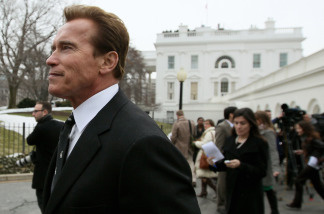 File photo: Governor Arnold Schwarzenegger talks with journalists following a meeting with President Barack Obama on February 22, 2010 in Washington, DC.