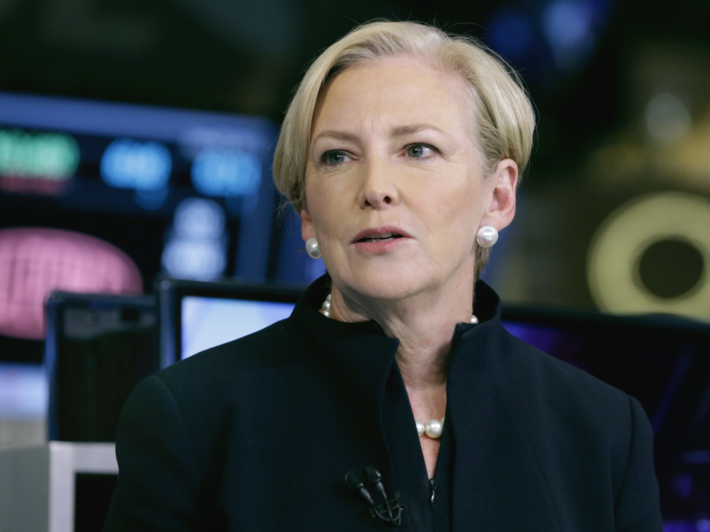 Ellen Kullman is one of the four women on the Goldman Sachs board of directors. The former DuPont CEO says she has developed a network of female executives and is giving recommendations to companies looking for female board members.