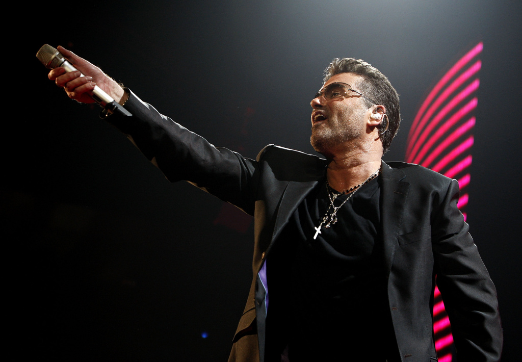 Singer George Michael performs at the Sports Arena on June 17, 2008 in San Diego, California.