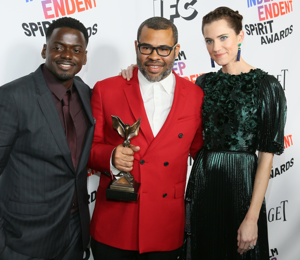 (L-R) Daniel Kaluuya, Jordan Peele and Allison Williams pose with the Best Feature Award for
