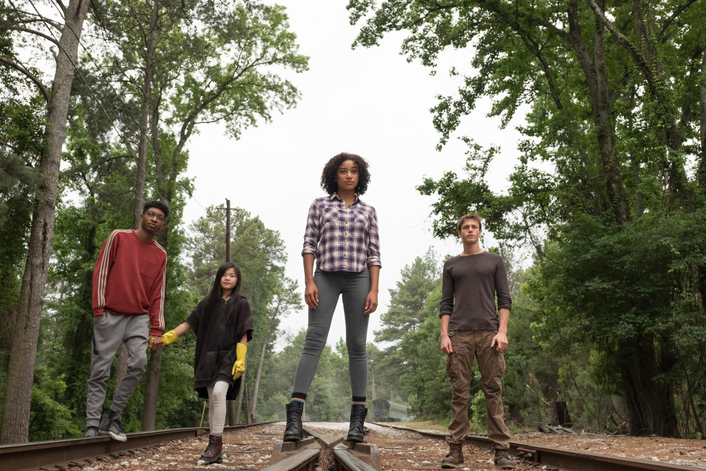 Chubs (SKYLAN BROOKS), Zu (MIYA CECH), Ruby (AMANDLA STENBERG) and Liam (HARRIS DICKINSON) in Twentieth Century Fox's THE DARKEST MINDS.
