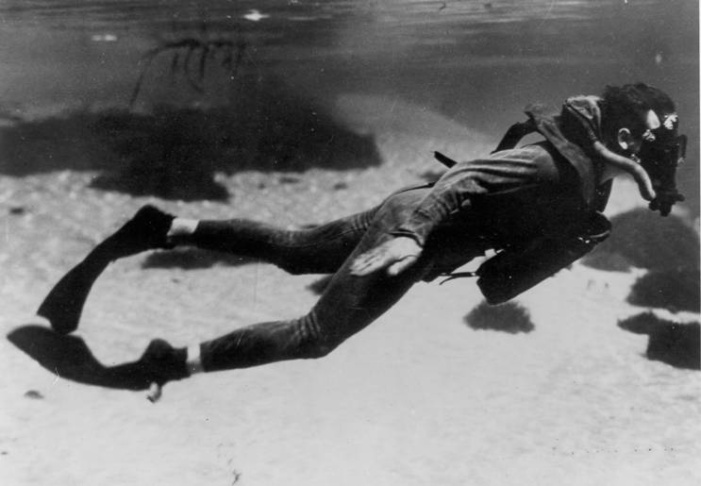A 'Frogman' in action. No wonder they inspired comic books.