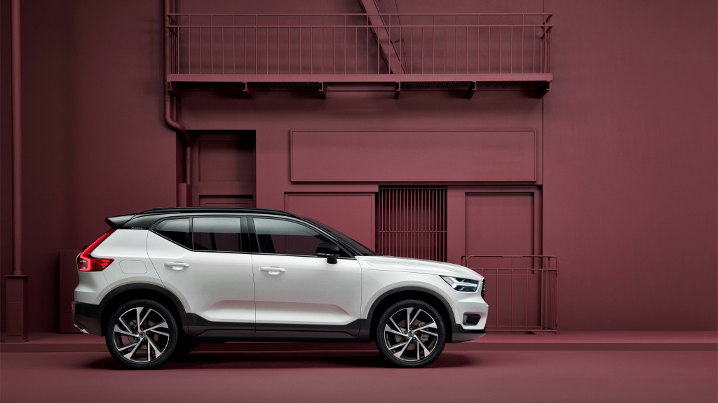 Care by Volvo is a new subscription service that lets drivers subscribe to the new XC40 at a monthly price of $600-700, including insurance, maintenance and roadside service.