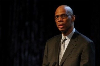 NBA great Kareem Abdul Jabbar produced the new film 'On the Shoulders of Giants,' a documentary 'about the best team you never heard of' — the Harlem Rens.