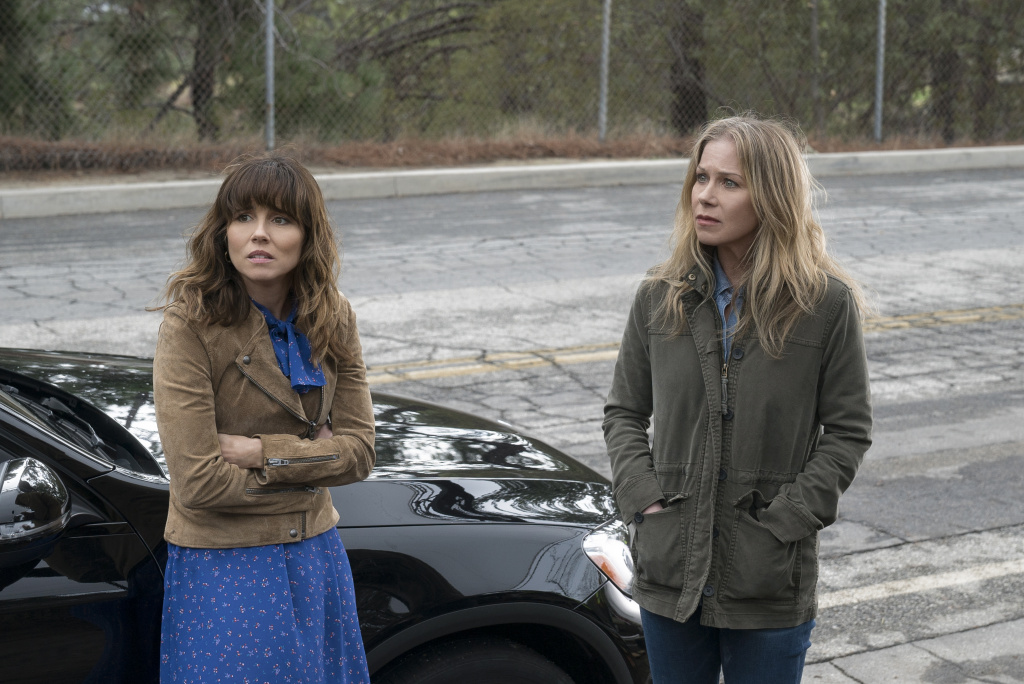 Linda Cardellini, left, and Christina Applegate star in the Netflix series,