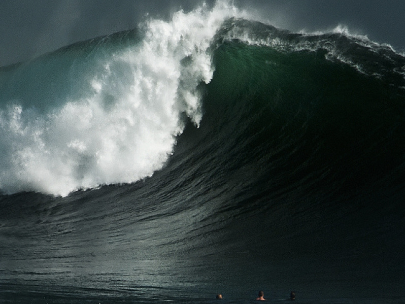 NEWPORT BEACH GIANT WAVE