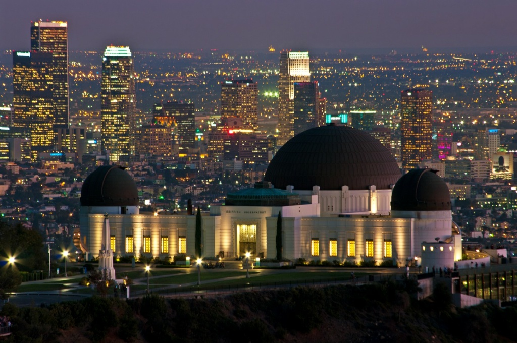 File: Griffith Observatory at night.